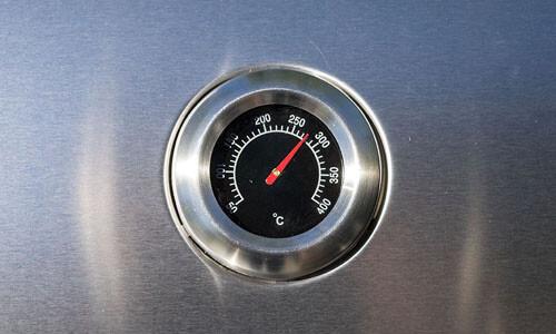 Wie heiß wird ein Gasgrill?